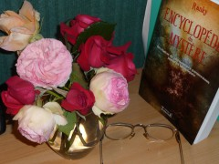 ENCYCLOPEDIE ET ROSES 1.JPG