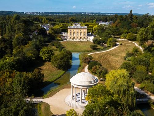 Versailles,Marie-Antoinette,Trianon,fantômes,Louis XIV,Flammarion